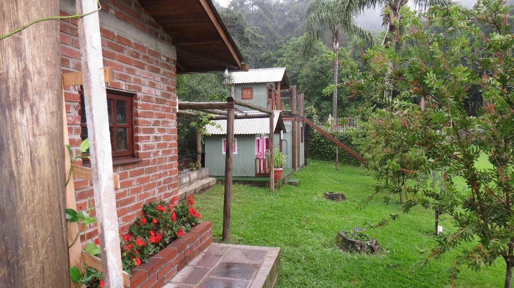 excepcional oportunidade para morar em lugar lindo na serra gaúcha!!!localizada apenas a 5 km do centro...