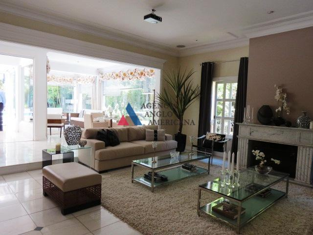 condomínio pignatari, altíssimo padrão, com total segurança, excelente localização, com amplo espaço para circulação de autos.belíssima...