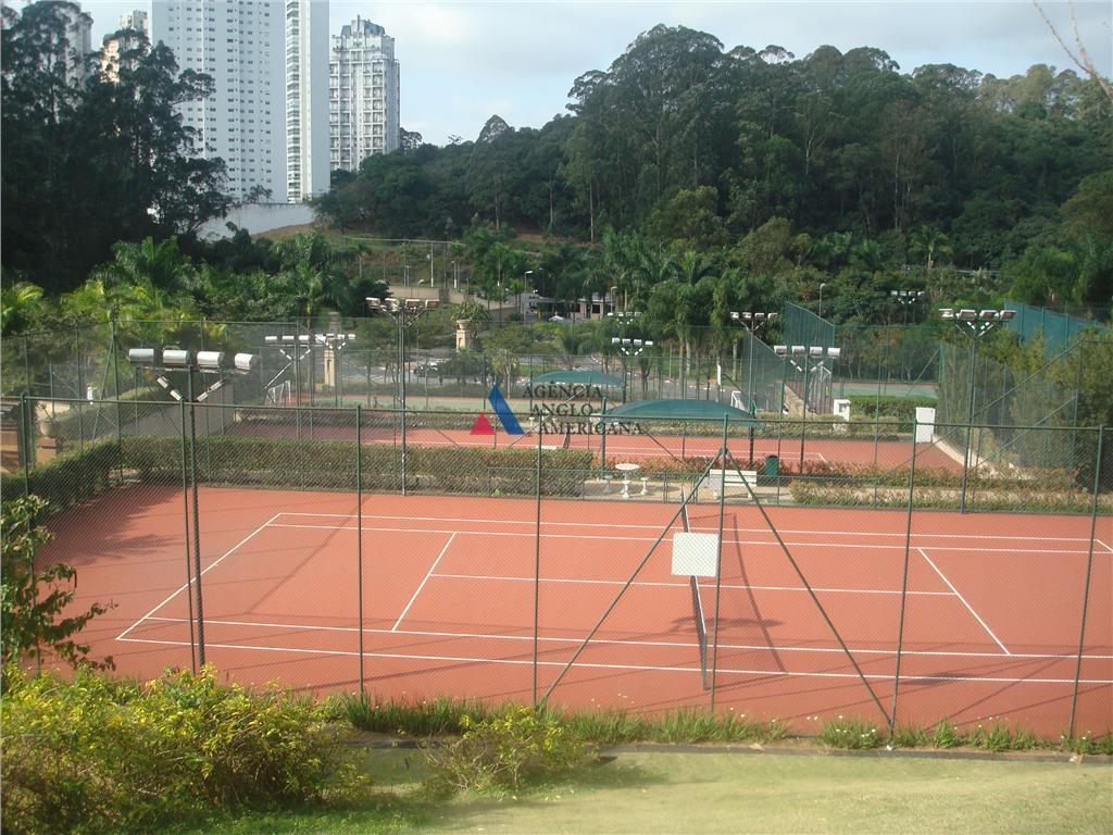 condomínio com 100.000 m2 de área, bosque privativo, clube com mais de 7.000 m2, com 6...