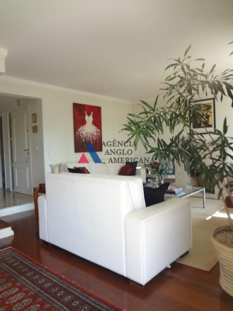 apartamento com cozinha ampla e super equipado de armáriosliving com lareira,sala de jantar,home theater e terraço...