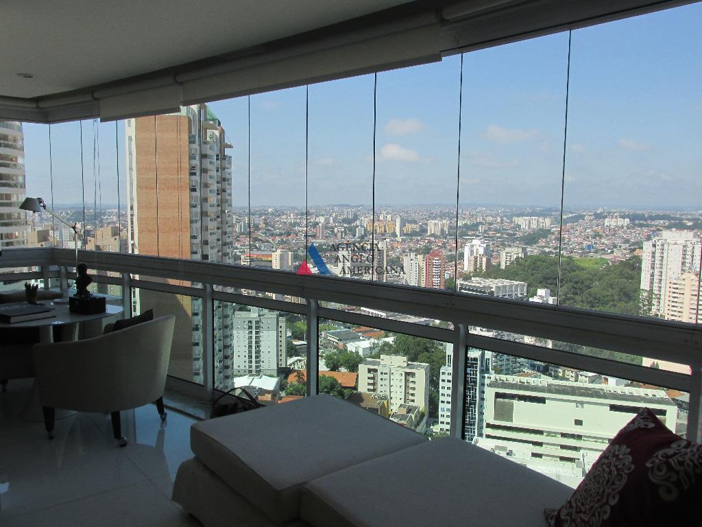 Cobertura duplex com piscina e churrasqueira para locação, Morumbi, São Paulo.