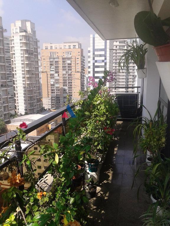 apartamento próximo da praça pereira coutinhoum por andar, com terraço e ar condicionado em todos os...