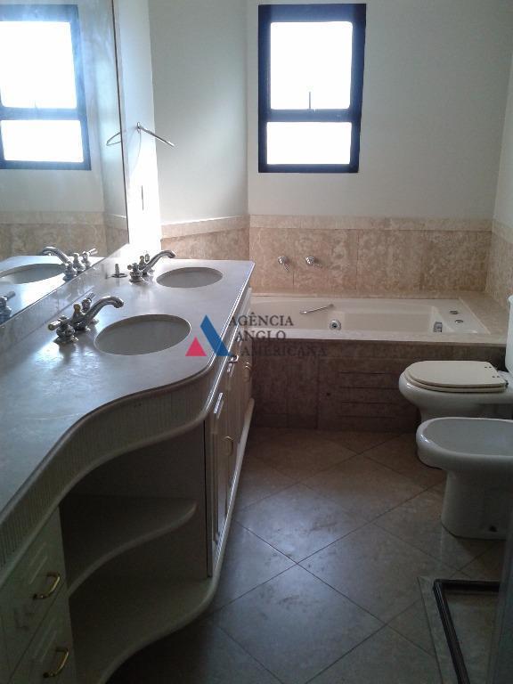 apartamento amplo e em andar alto, com vista panorâmica.condomínio-clube, com 70.000 m2 de área total, bosque...