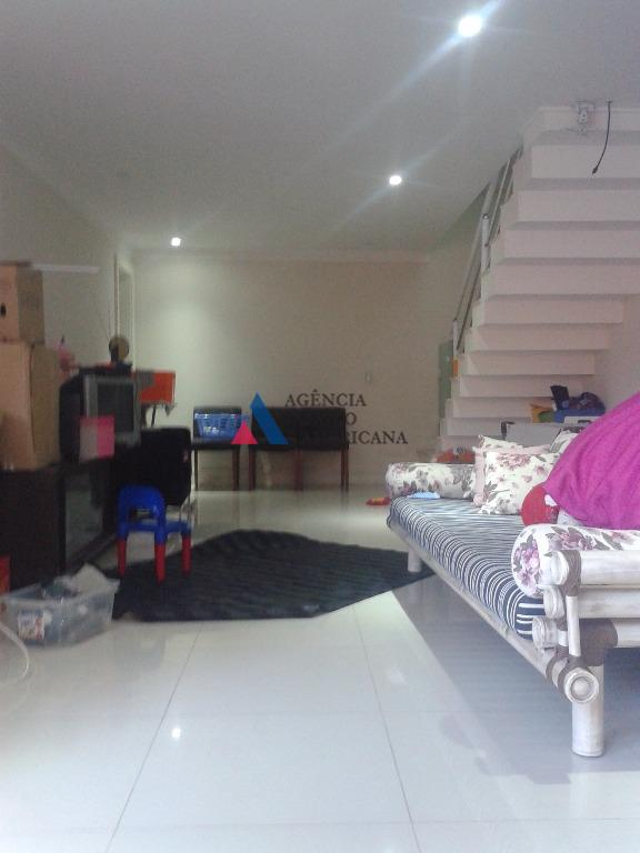 casa em condomínio fechadosuite master dupla, sala com terraço, sala de tv com lareiraexcelente acabamentolocalização perfeita...