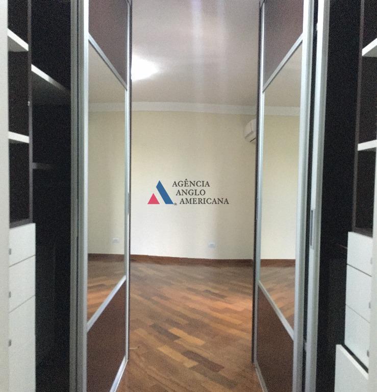 condomínio-clube, com 70.000m2 de área total.apartamento amplo, impecável, com ar condicionado.