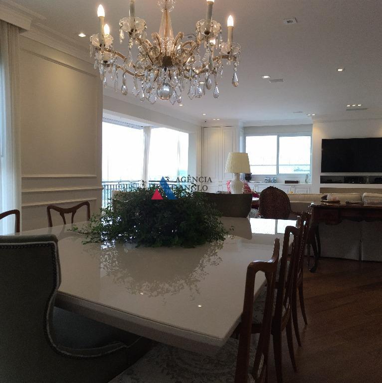 apartamento moderno, todo decorado com extremo bom gosto.proprietário deixa toda a mobíliaampla sala de estar, com...