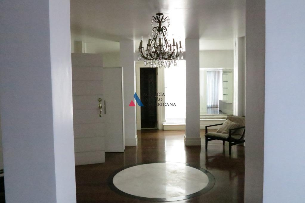 casa localizada na al. gabriel monteiro da silvapode ser residencial ou comercial