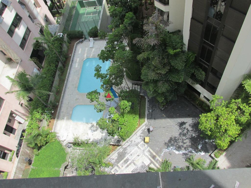 apartamento - locação - totalmente reformado e com ar condiconado completo. lazer com piscina, churrasqueira, salão...