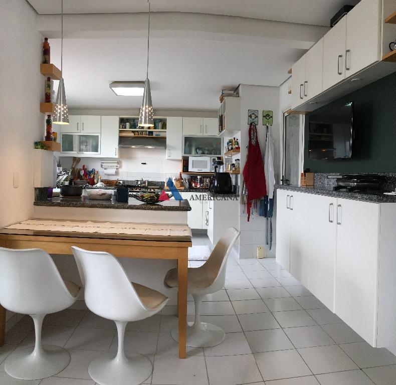 apartamento com vista panorâmica e varanda gourmetmobiliado completoar condicionado em todos os ambientescozinha ampla e equipada...