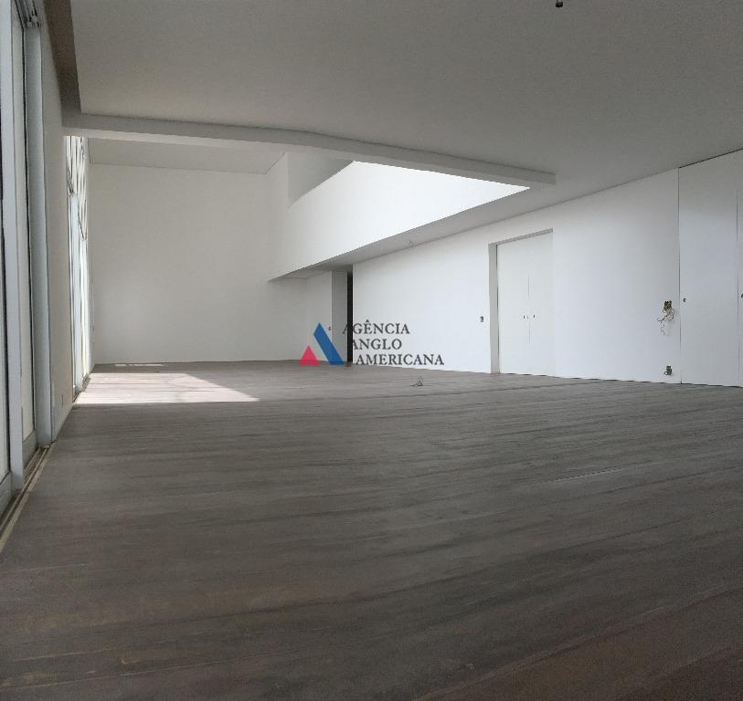 imponente dúplex, com 6 suítes, no condomínio particolare vista incrível ; terraço magnífico; sala ampla, com...
