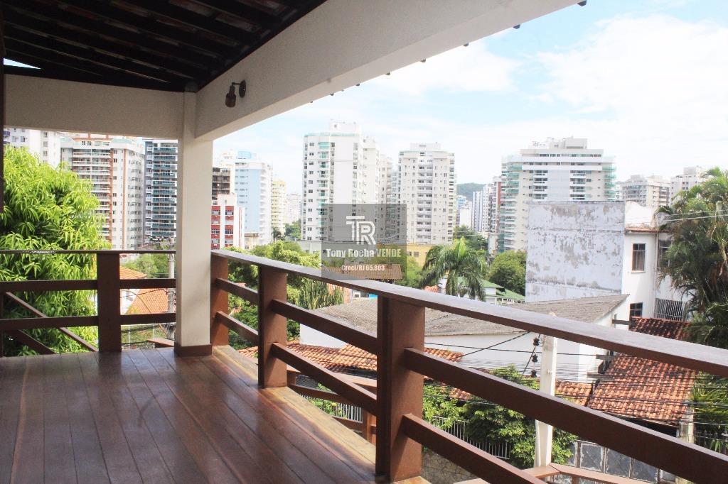 Diferenciada ! Casa em Icaraí 4 Dormitórios, 3 Vagas  - Icaraí / Niterói - RJ