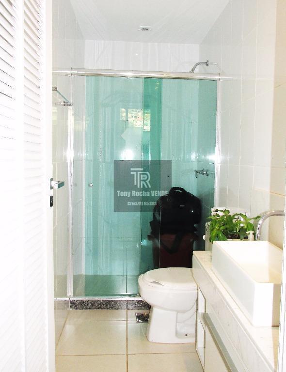 tony rocha vende: excelente cobertura duplex em icaraí, zona sul de niterói. imóvel composto por 4...