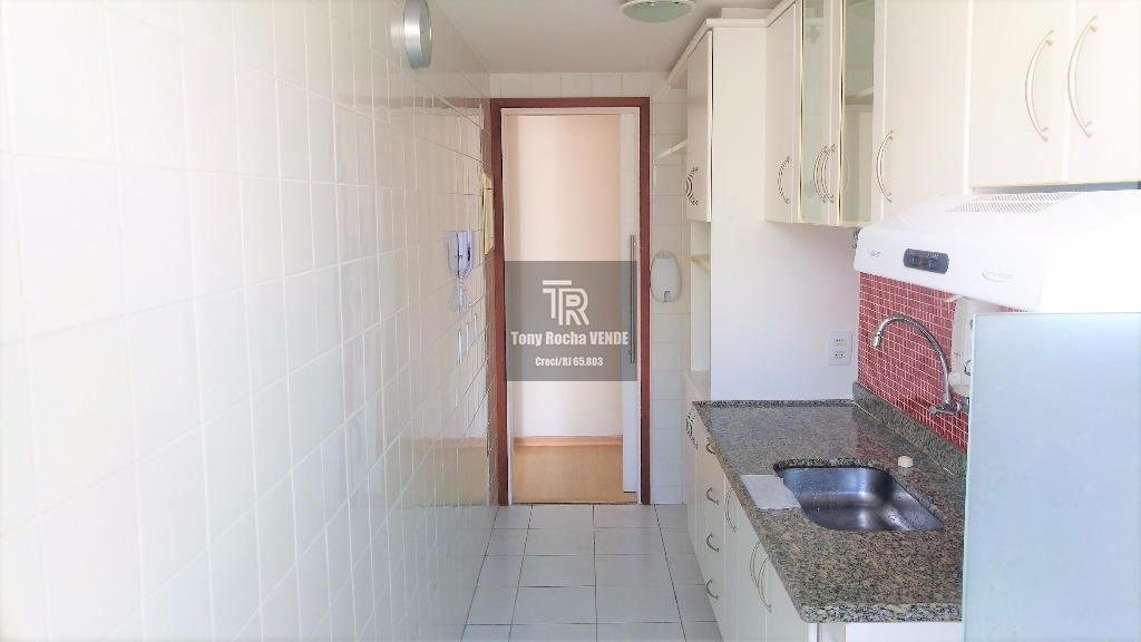 tony rocha vende: apartamento em santa rosa, zona sul de niterói. imóvel composto por hall, salão...