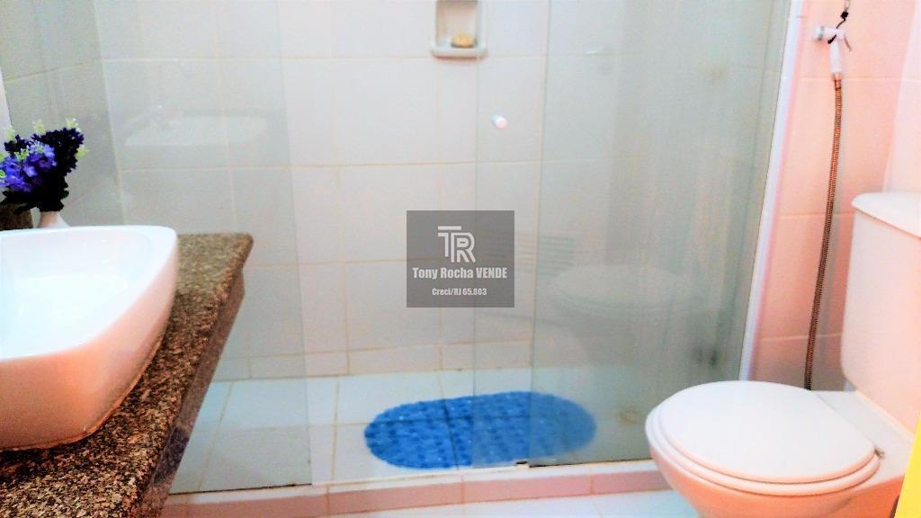 tony rocha vende: diferenciado apartamento tipo flat em buzios. imóvel composto por 2 dormitórios (sendo um...