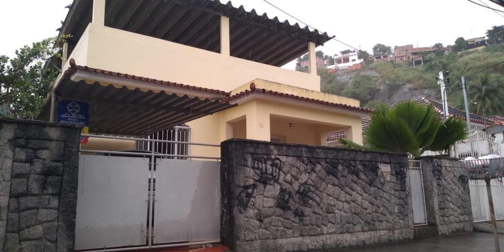 Excelente Casa 2 Quartos, Garagem colada no Ponto Cem Reis - Fonseca