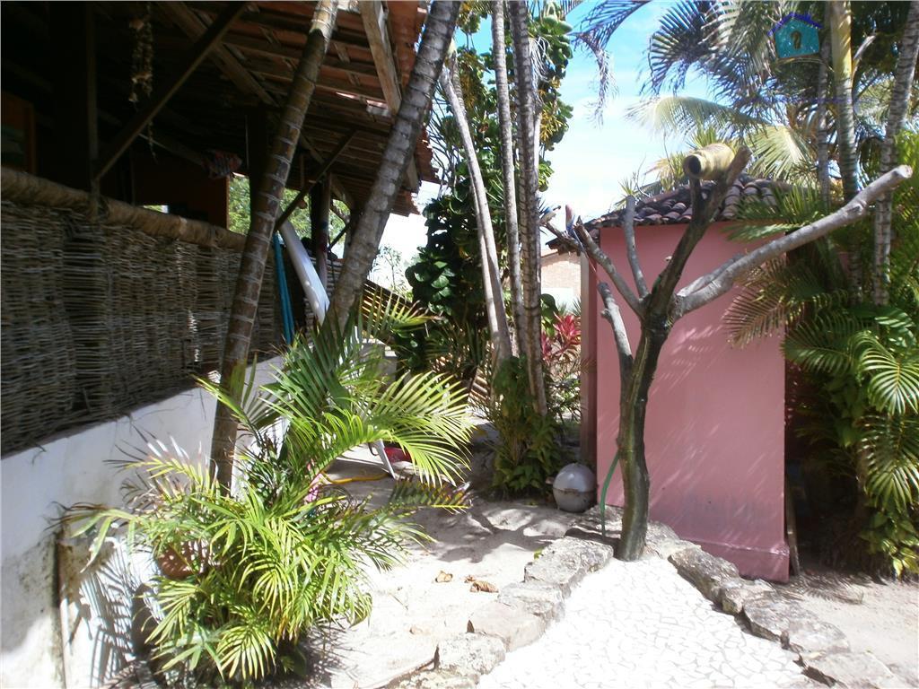a pousada das flores está localizada na praia de carapibus, uma das praias mais visitadas do...