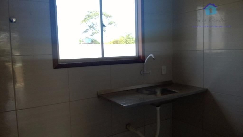 casa pronta para morar em condomínio fechado. contendo 2 quartos, área constuída com 42m² em carapibus....