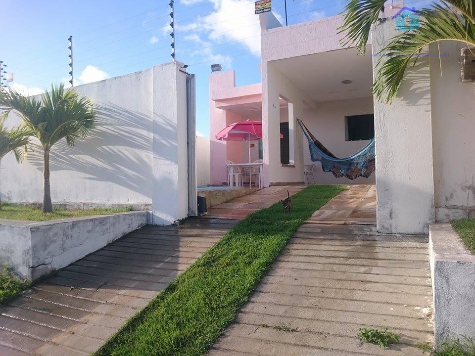 linda casa na praia de tabatinga à apenas 500m do mar, piscina, 02 quartos sendo 01...