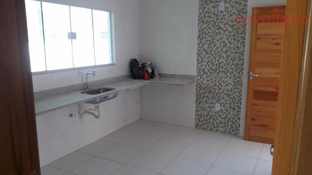 lindíssima casa no condomínio pedra de inohãserá entregue com piscina, churrasqueira e móveis planejados.composta de 3...