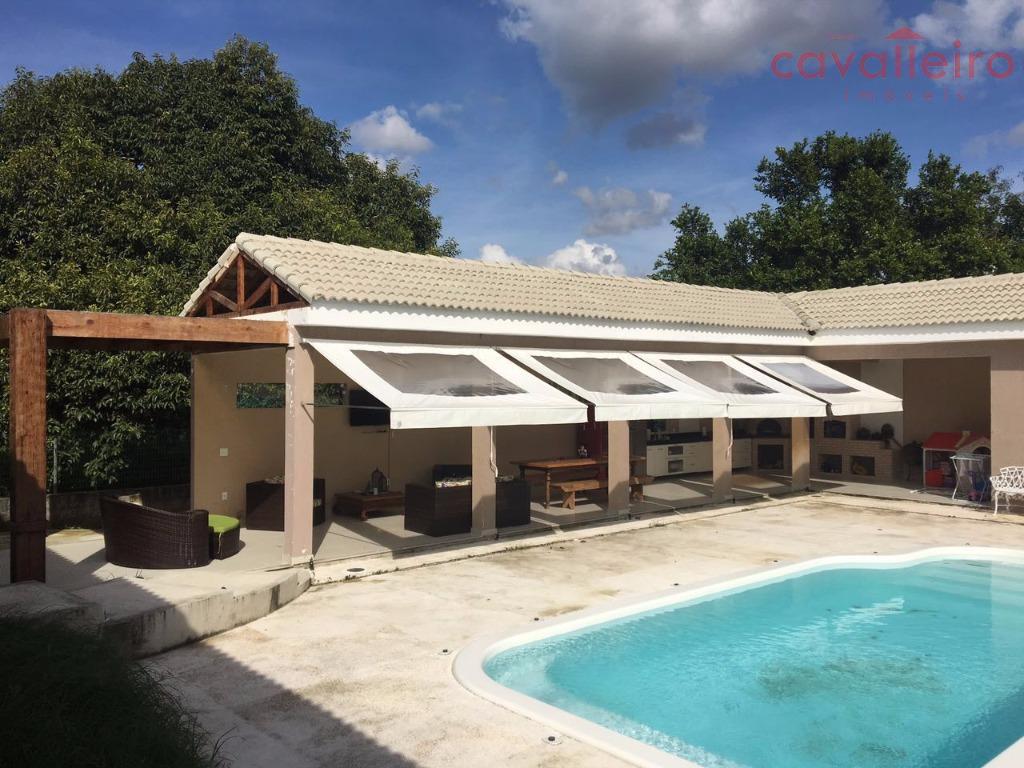 Belíssima Casa à venda em Condomínio!!!