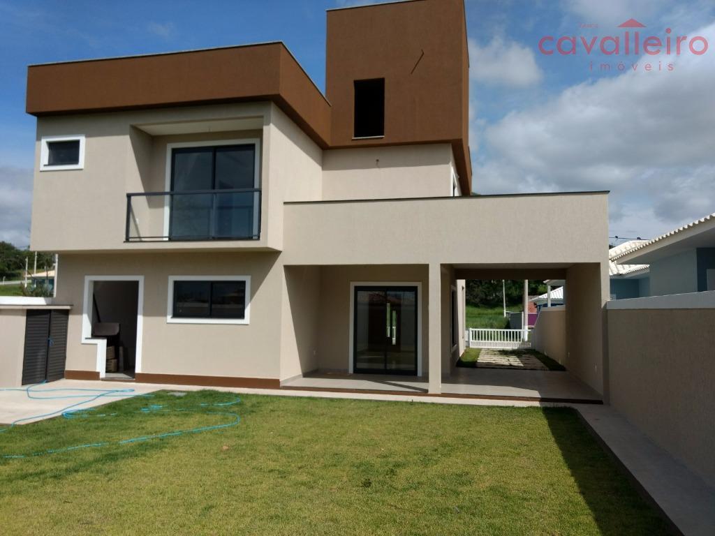 Lindíssima casa em Condomínio !!!
