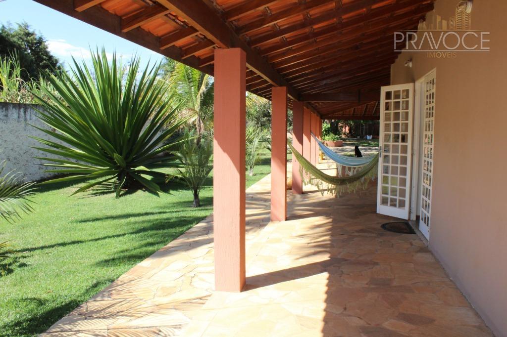 linda chácara, localizada no parque das bandeiras;são 2.000 m2 de terreno e 325 m2 de construção,...