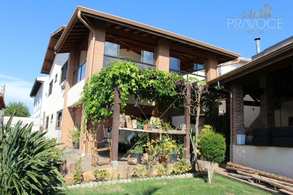 exclusividade pravocê.esta excelente casa, com 342,28m2 de área construída, tem localização privilegiada, no bairro vila bourbon,...