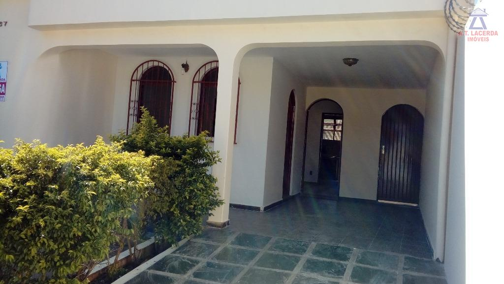 Casa residencial à venda, Conjunto Cristo Rei, Montes Claros - CA0124.