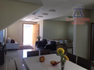 vende-se casa no ibituruna, são 04 suítes, todos com armários, salão pra 03 ambientes, cozinha planejada,...