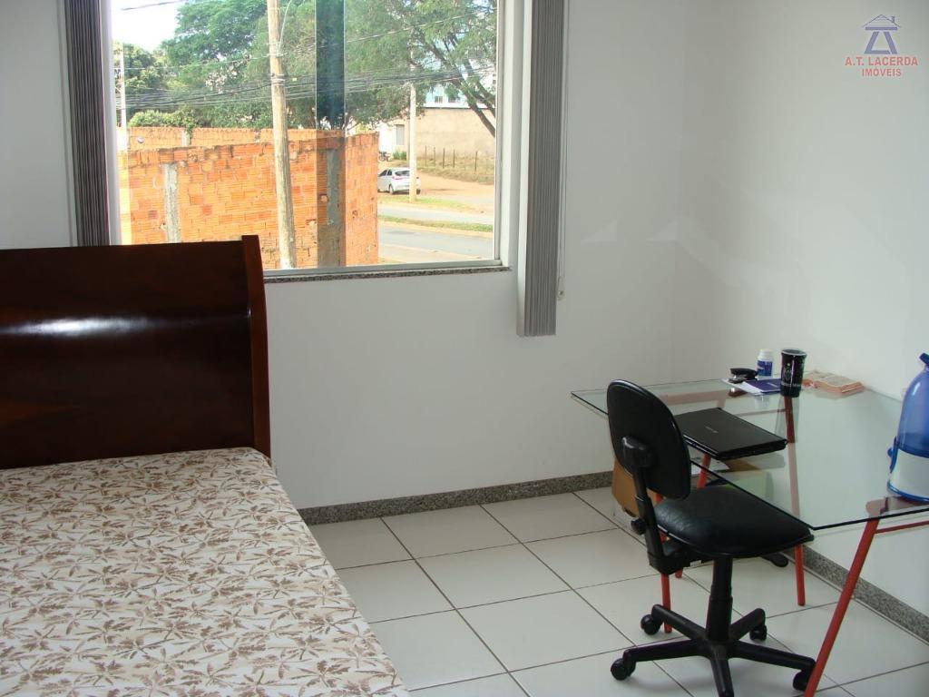 vende-se uma ótima casa de 02 pavimentos, composta por: 04 quartos sendo um suíte, 02 salas,...