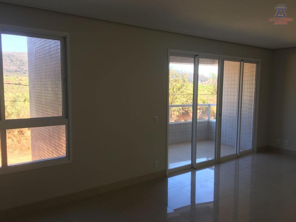 vende-se um apartamento com a área de 126 m², com duas vagas de garagem soltas, acabamento...
