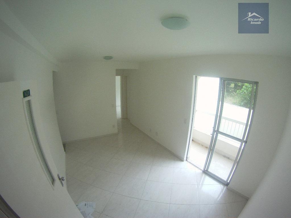 apartamento 2 quartos no reserva parque, nascente 1 andarcom armário na cozinha