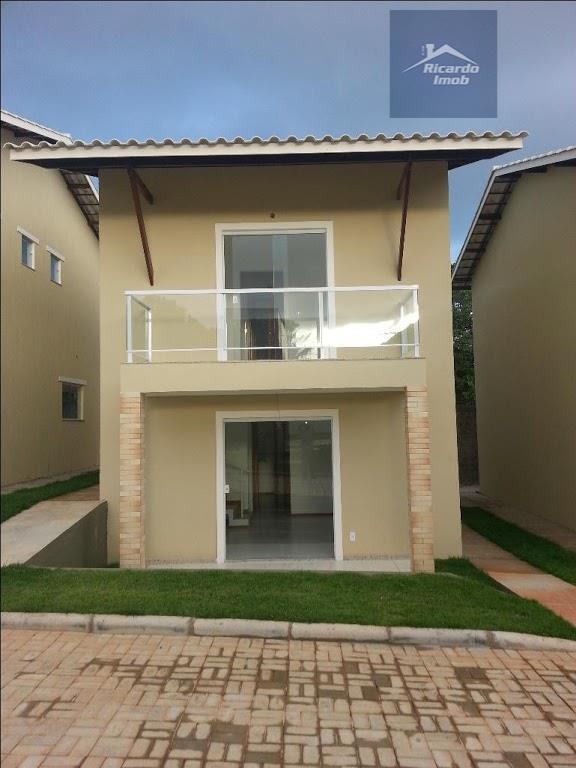 Casas duplex,  3/4, sendo 2 suítes com varanda e closet , 101 metros de área  construída , fino acabamento em Abrantes