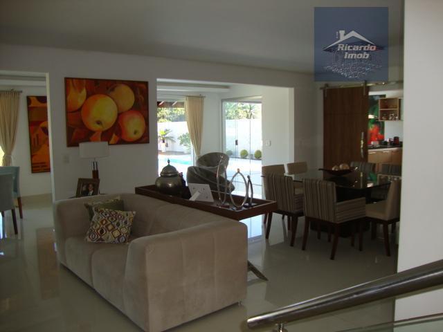 conforto, segurança e bom gosto.impecável casa residencial com apenas 7 anos de construção no reserva busca...