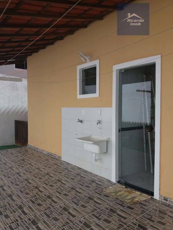 casa com 4/4 sendo 2 suítes, 2 banheiros sociais, sala grande, garagem para 2 carros coberta,...