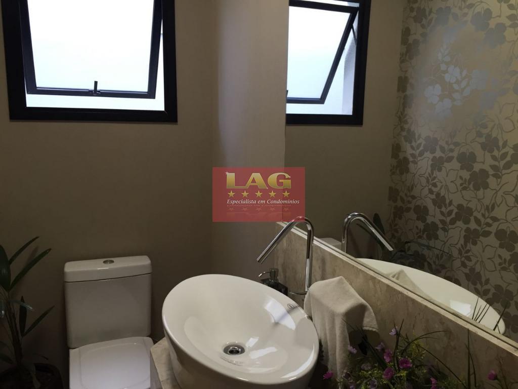 maravilhoso sobrado em um dos melhores condomínio de sorocaba. localizado na região mais nobre da cidade,...