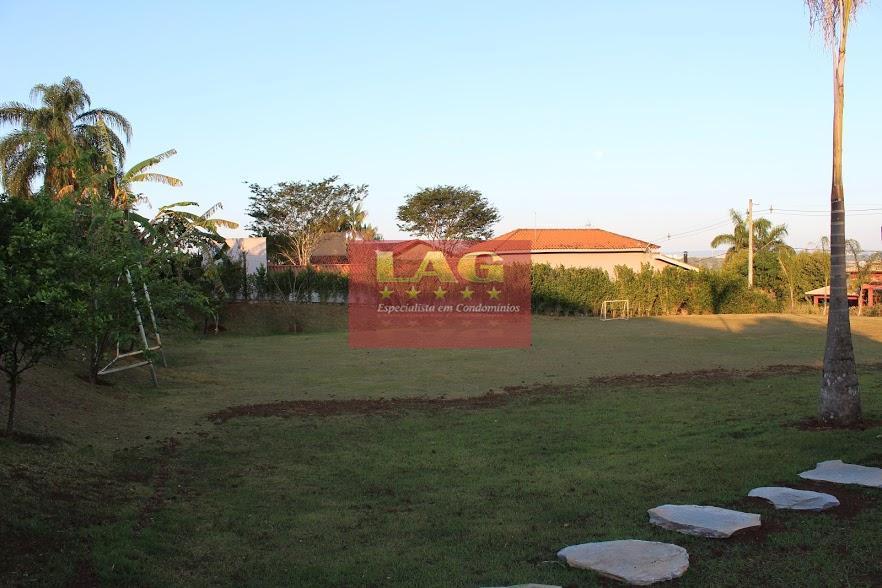 propriedade com 1000m² de terreno e 420m² de area construída, a 5 minutos do melhor de...