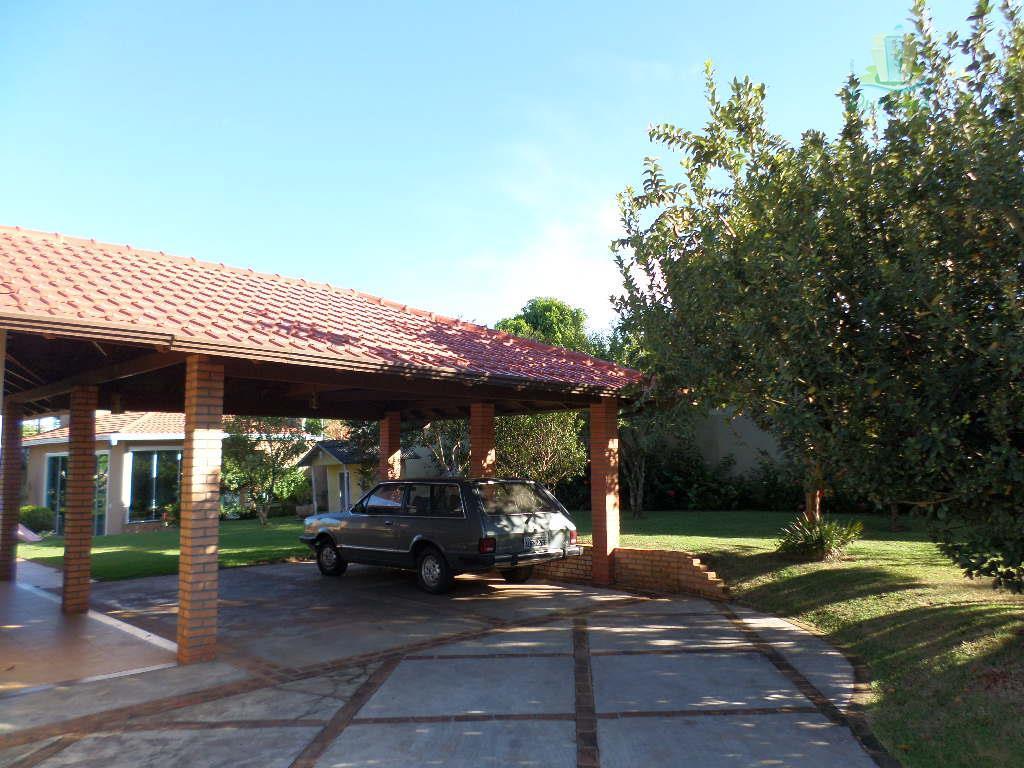 Casa super espaçosa com piscina no Panorama II