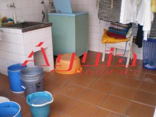 Casa de 3 dormitórios em Parque Jaçatuba, Santo André - SP