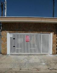 Casa de 2 dormitórios em Jardim Santo Alberto, Santo André - SP
