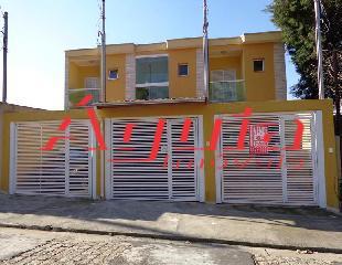 Sobrado de 2 dormitórios à venda em Vila Lucinda, Santo André - SP
