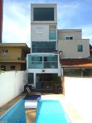 Sobrado de 4 dormitórios em Vila Curuçá, Santo André - SP