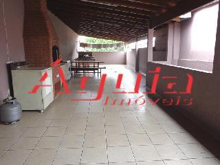 Casa de 2 dormitórios em Parque Jaçatuba, Santo André - SP