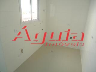 Apartamento de 2 dormitórios em Vila Curuçá, Santo André - SP