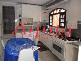 Sobrado de 6 dormitórios à venda em Parque Jaçatuba, Santo André - SP