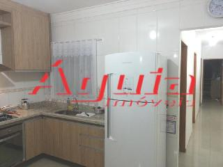 Casa de 2 dormitórios em Parque Oratório, Santo André - SP