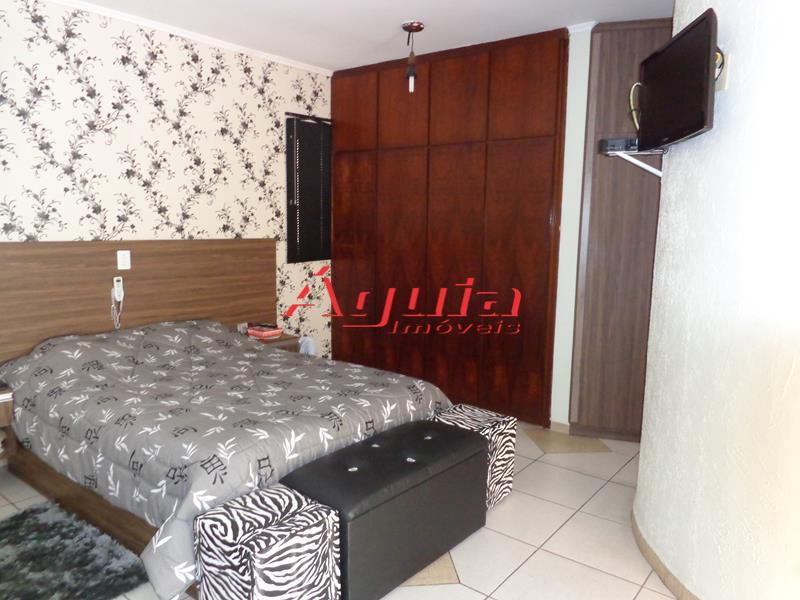 Sobrado de 3 dormitórios em Jardim Alzira Franco, Santo André - SP