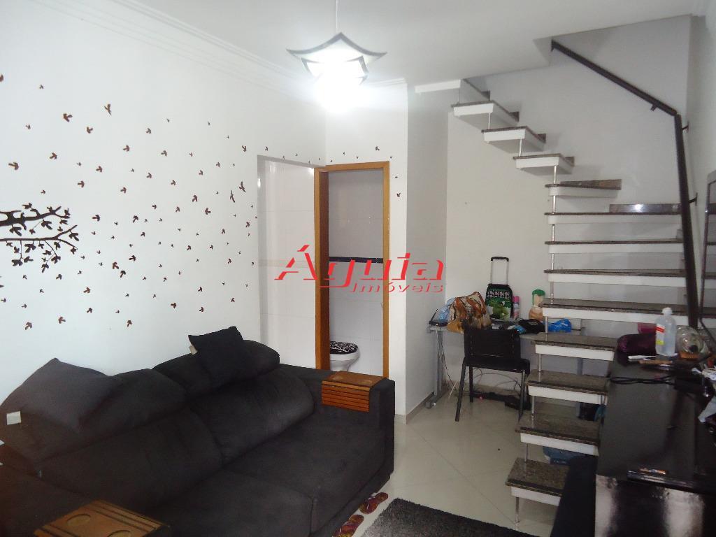 Sobrado de 2 dormitórios em Jardim Utinga, Santo André - SP
