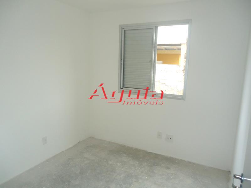 Apartamento de 3 dormitórios em Jardim Utinga, Santo André - SP