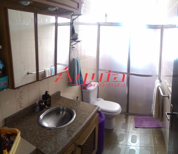 Casa de 2 dormitórios à venda em Vila Humaitá, Santo André - SP